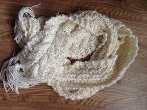 Weicher Schal in weiß