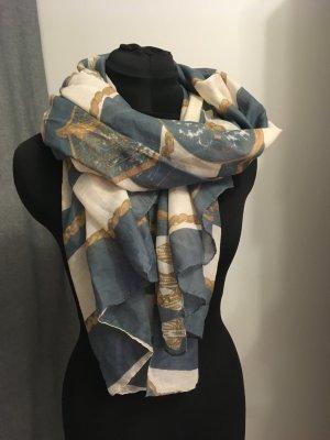 weicher Schal mit maritimen Streifenmuster