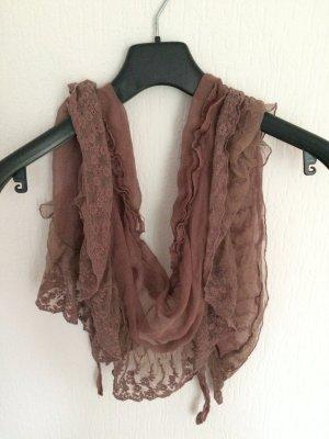 Weicher Schal mit Spitze