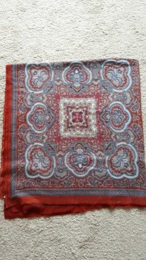 Weicher Schal Rot gemustert von Zara