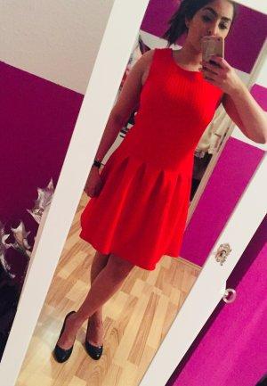 Weihnachtlich rotes Kleid