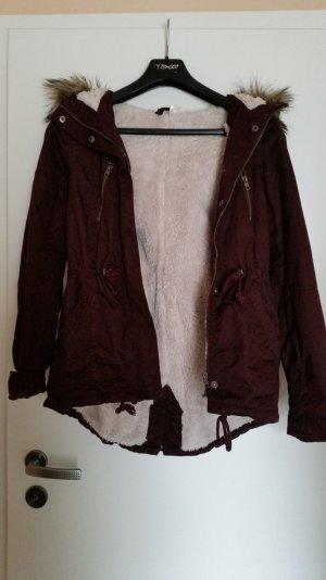Weinrote flauschige Jacke von H&M