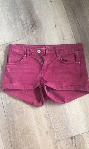 Weinrote Shorts