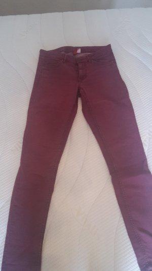 Weinrote Stretch Hose von H&M