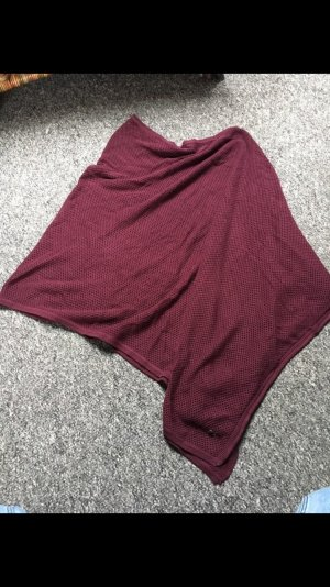 Weinroter Poncho