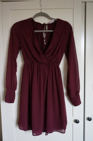 Weinrotes Chiffonkleid