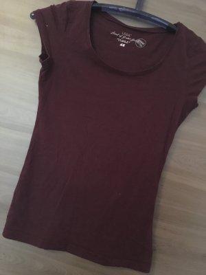 Weinrotes T-Shirt