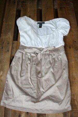 Weiß-beige abgesetztes Sommerkleid mit Schleife