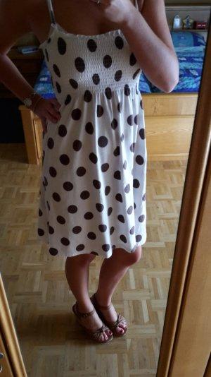 Weiß-braunes Kleid mit Punkten von Only