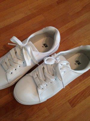 Weiß ist Trend! H&M-Sneaker
