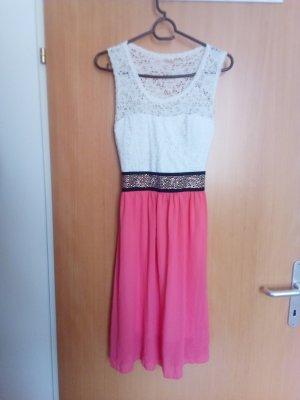 Weiß- rosa Kleid aus Kroatien