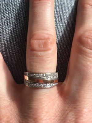 Weiß-Roségold Ring mit Diamanten