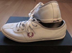 Weiß/rote Fred Perry Stoff Schuhe 39