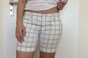 Weiß schwarz karierte kurze Hose von Fishbone in S