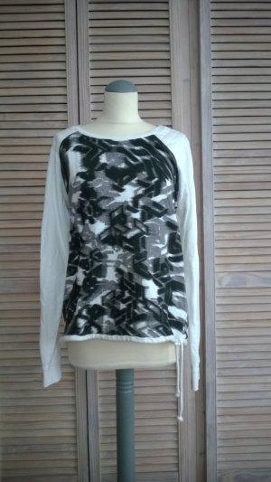 Weiß-schwarzer Pulli von Tom Tailor