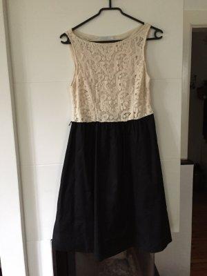Weiß-schwarzes Kleid von Promod