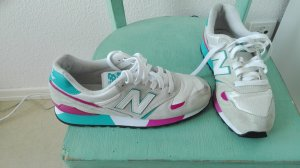 Weißblaurosane New Balance Sneaker
