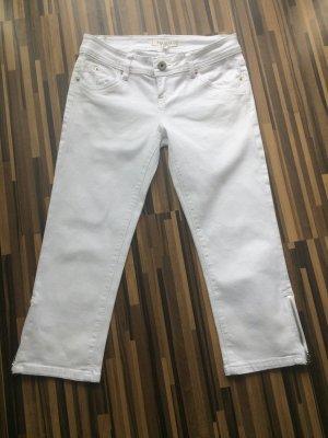 Weiße 3/4 Hose mit Reißverschlüssen an den Beinen