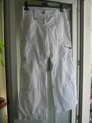 QS by s.Oliver 7/8 Length Trousers white