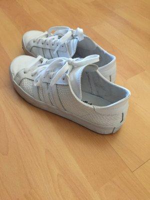 Weiße Adidas sneakers