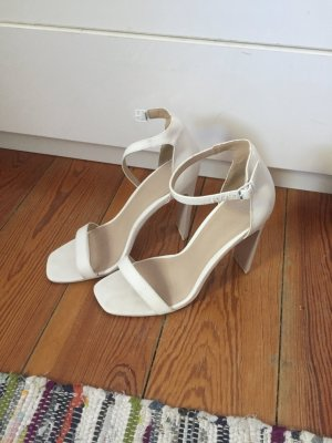 Weiße ASOS Sandalen mit Absatz