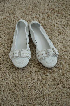 weiße Ballerinas aus Echtleder mit Schnalle