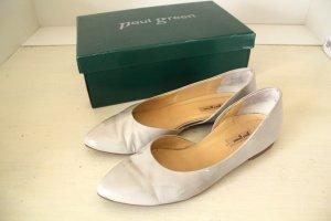 Weiße/beige Lack-Ballerina von Paul Green | Neupreis: 109€