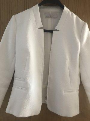 Weiße Blazerjacke von Zara mit schönem Prägemuster