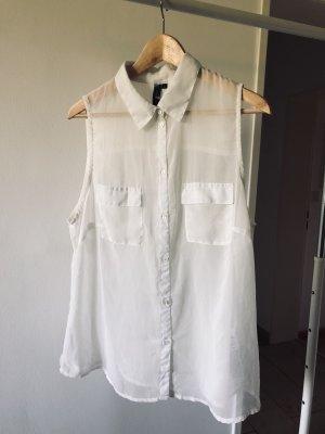 Weiße Bluse, ärmellos
