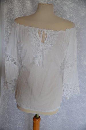 weiße Bluse im Ibiza Hippie Style