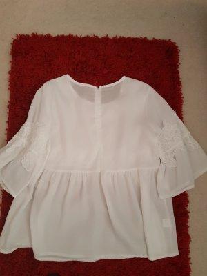 weiße Bluse mit Blumen Application