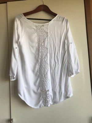 weiße Bluse mit Crochet