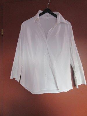 Weiße Bluse mit Dreiviertelarm