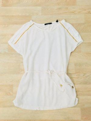 Weiße Bluse mit goldenen Elementen