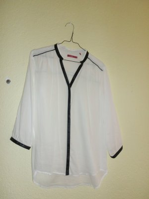 Weiße Bluse mit Lederlook-Einsätzen