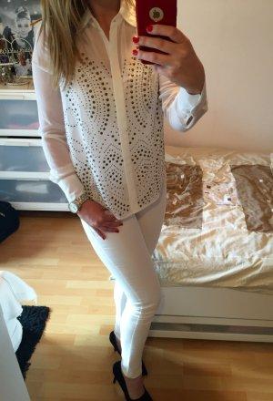 Weiße Bluse mit Nieten