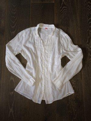 Weiße Bluse mit Rüschchen