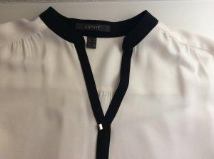 Weiße Bluse mit schwarzen Akzenten