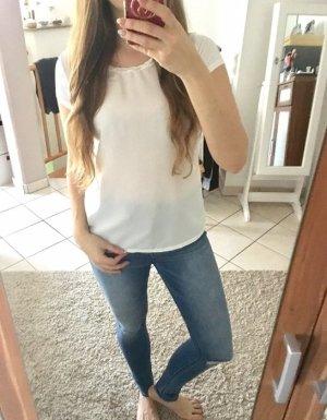 Weiße Bluse mit Verzierung neu