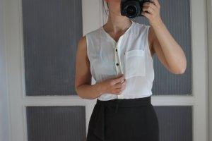 Weiße Bluse // ohne Ärmel // Just Female // S 36