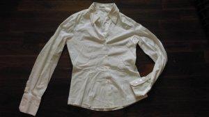 Weiße Bluse von Miu Miu - zeitlos schöner Klassiker