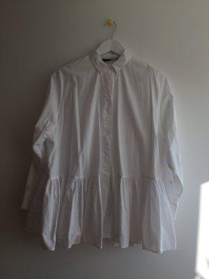 Weiße Bluse von ZARA, cooler Schnitt, weit mit Rüschen