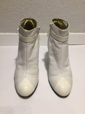Weiße CHANEL Leder-Ankleboots Gr.36,5