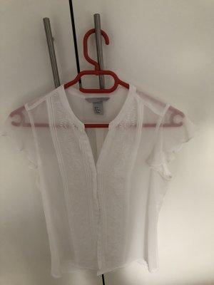 Weiße Detail-Bluse mit Sommerflair