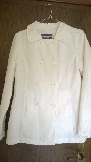 Weiße Frühjahrsjacke von Mexx