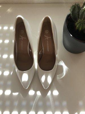 Weiße glänzende Heels