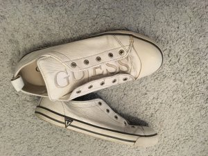 Weiße Guess Sneakers