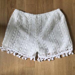 Weiße Häkel-Shorts