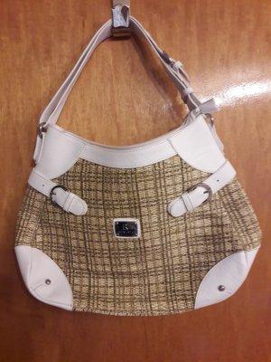 Weiße Handtasche mit Basteinsätzen