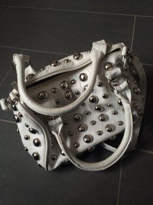 Weiße Handtasche mit Nieten